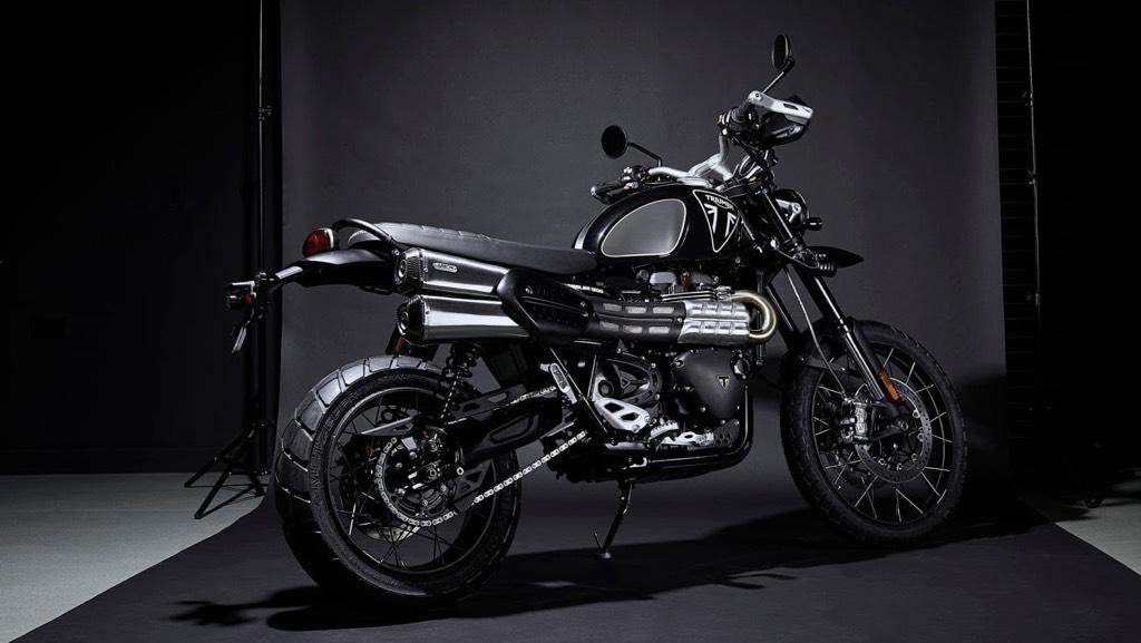 Triumph-Scrambler-1200-Bond-Edition-Rear