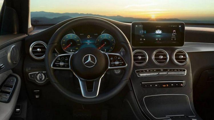 2021-Mercedes-GLC-Dashboard