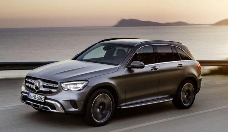 2021-Mercedes-GLC-Front