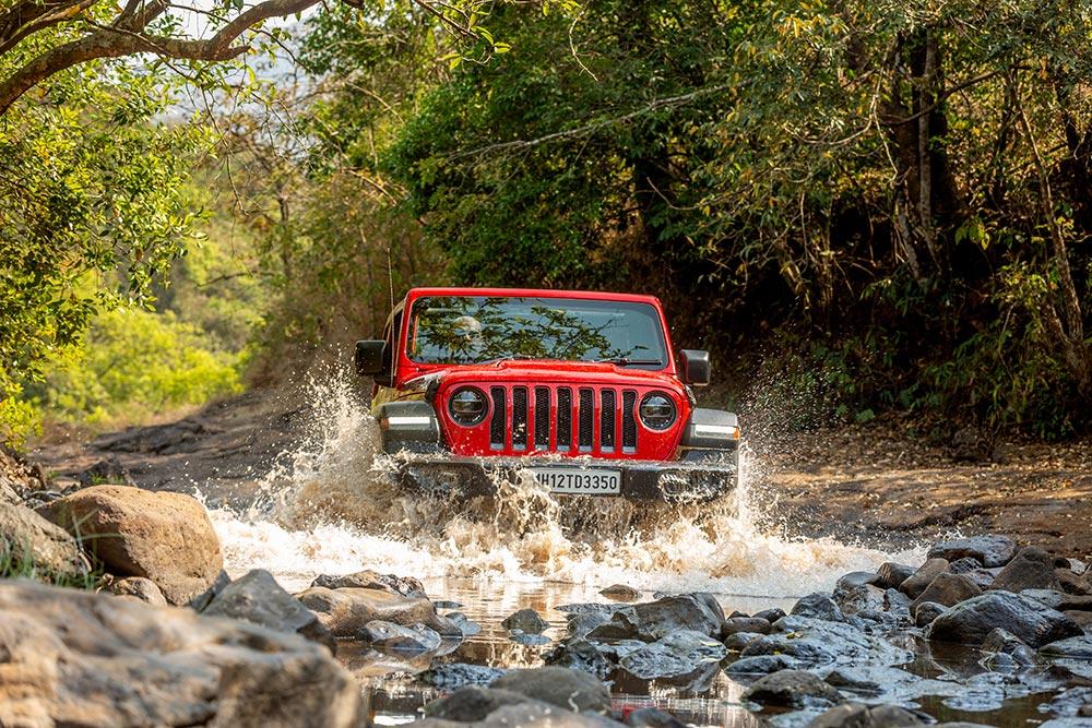 Jeep-Wrangler-Rubicon-1