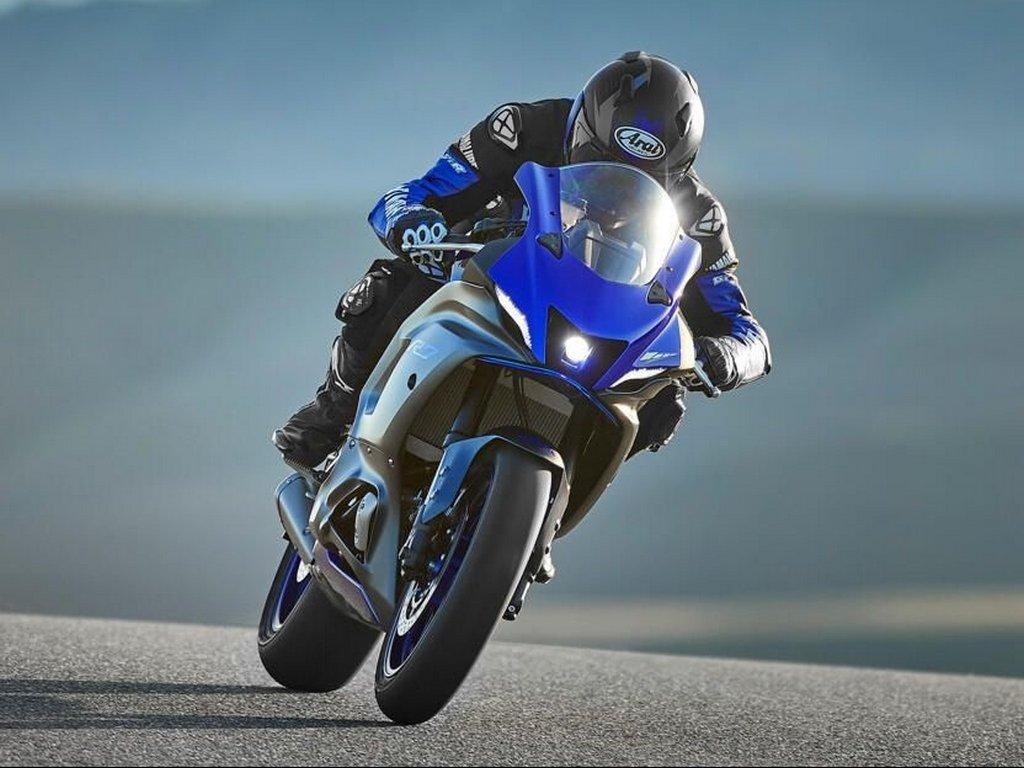 2022-Yamaha-R7-Icon-Blue