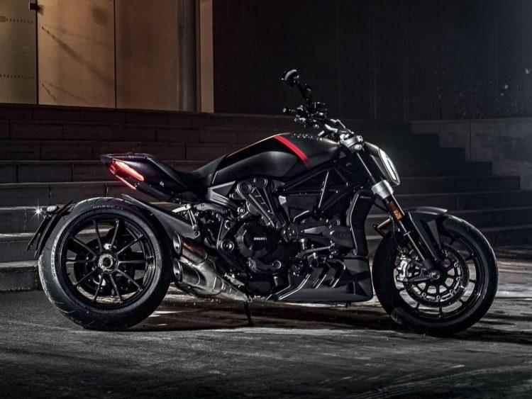 Ducati-XDiavel-Black-Star-Side